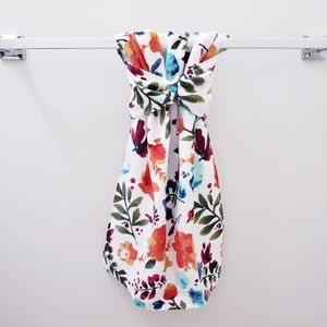 #997A-2 ONE Red floral Hang'N'Snap HAND Towel